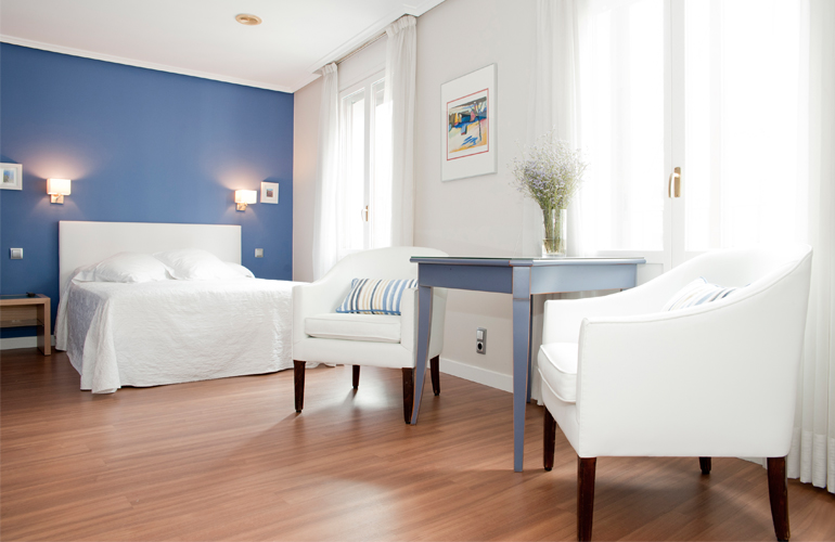 Habitaciones hotel sauce en el centro de zaragoza for Detalles en habitaciones de hotel